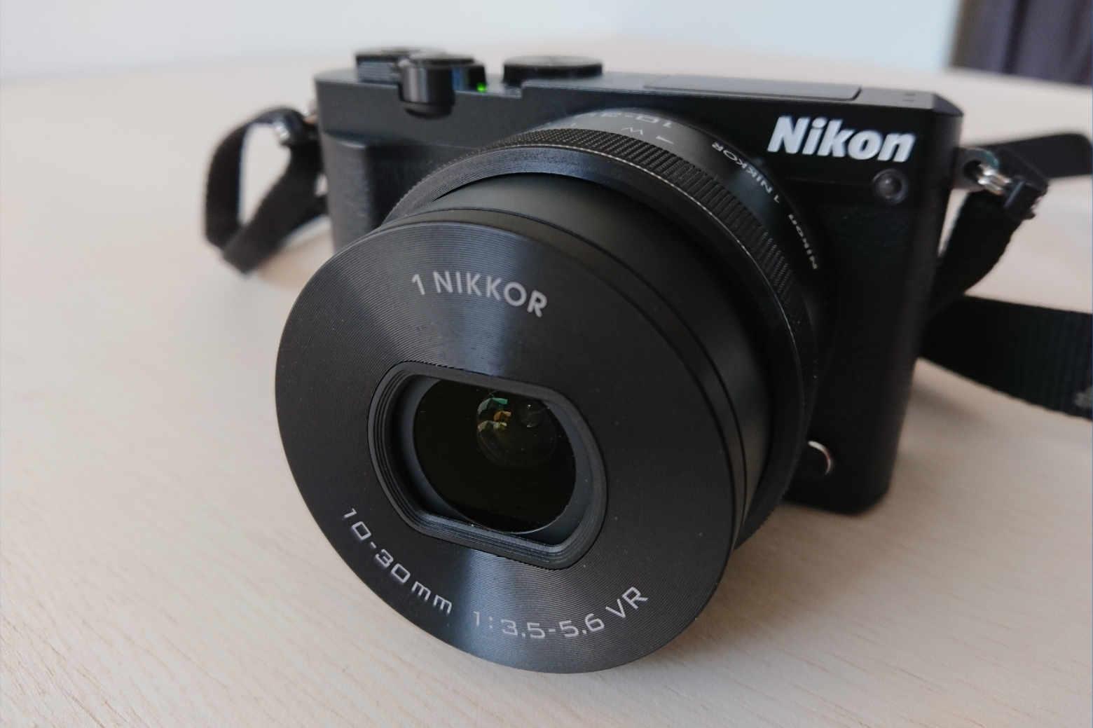 レンズが交換できるNikon1 J5をカメラ初心者が使ってみた感想【レビュー/改訂】