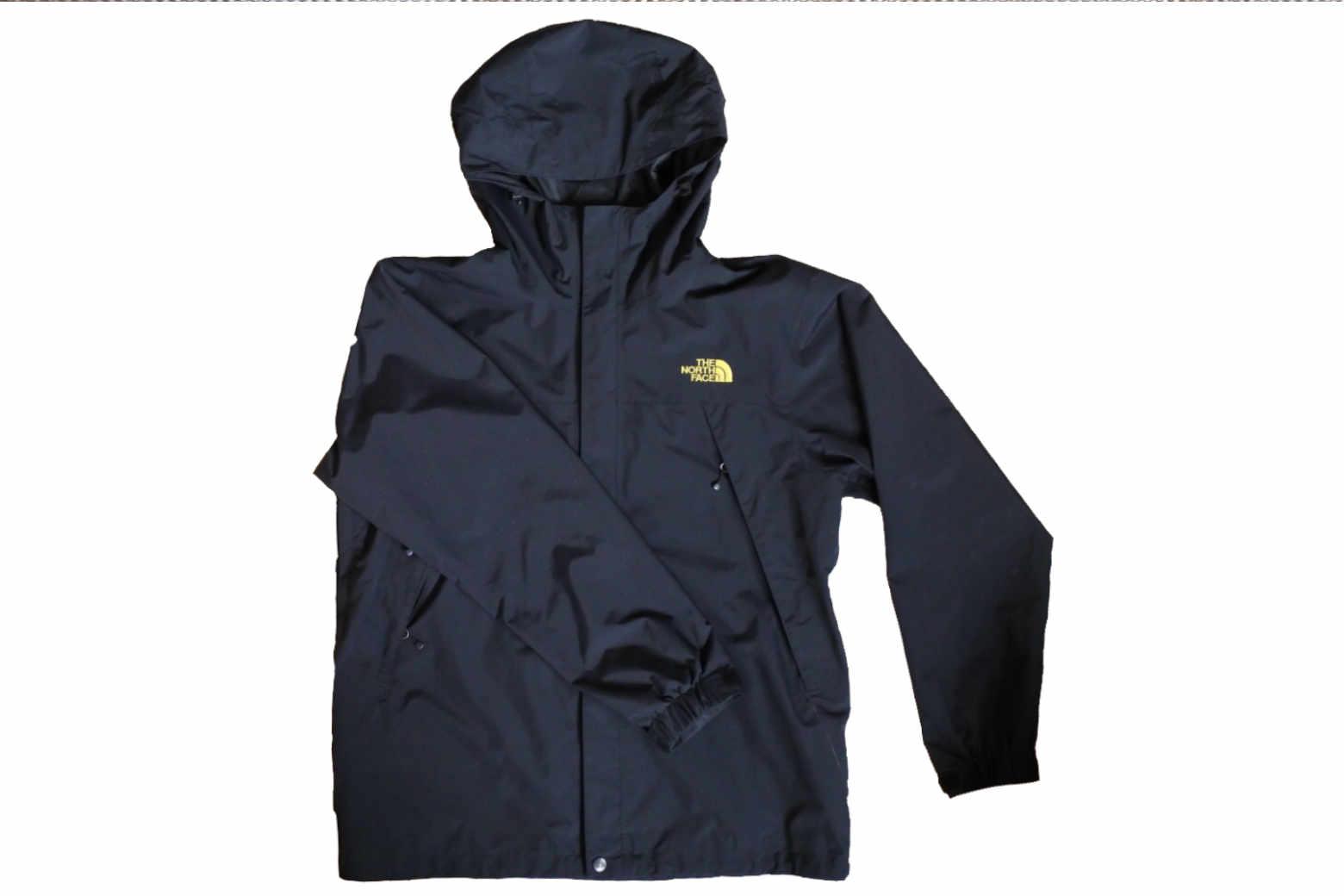 ノースフェイス(NORTH FACE)のスクープジャケットを街(タウンユース)で着用しています【インプレ】